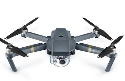 DJI - Mavic Pro Quadcopter with Remote Controller