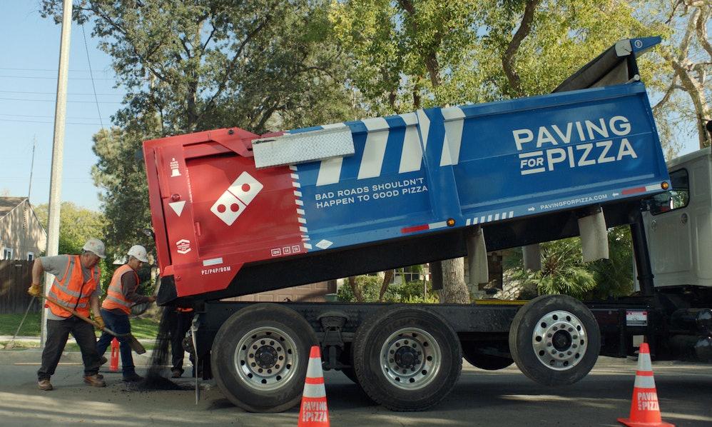 pizzaria-tampa-buracos-de-rua-para-salvar-entregas