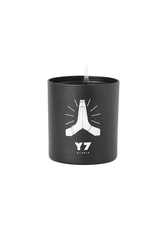 Y7 Prayer Hands Candle