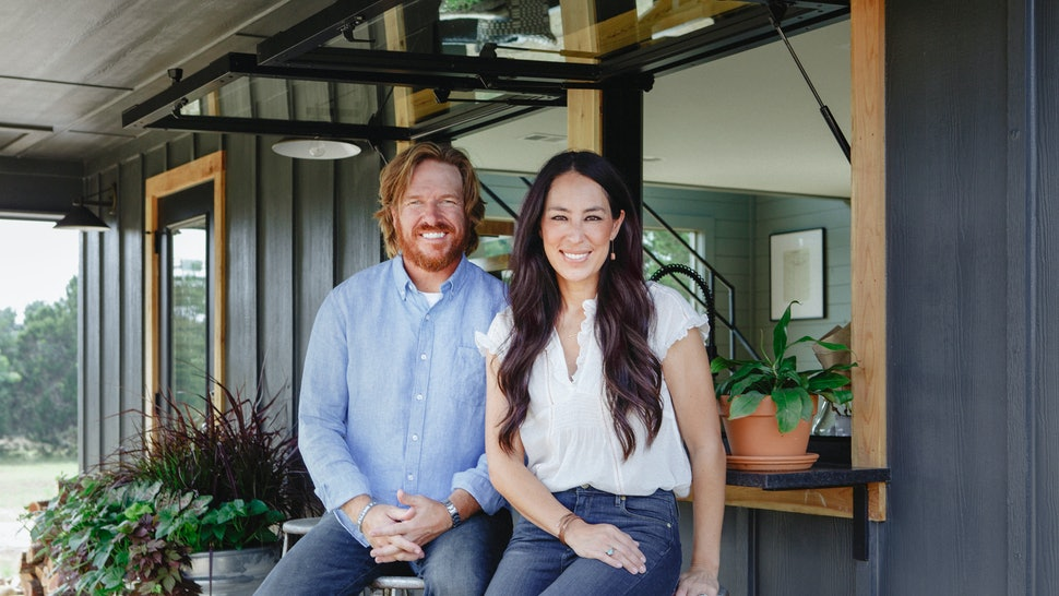 'Fixer Upper' Stars Chip & Joanna Gaines Welcomed A Baby