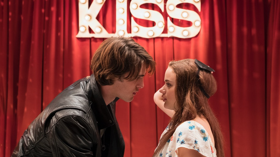 The Kissing Booth' Stars Are Dating In Real Life & Netflix Fans Can