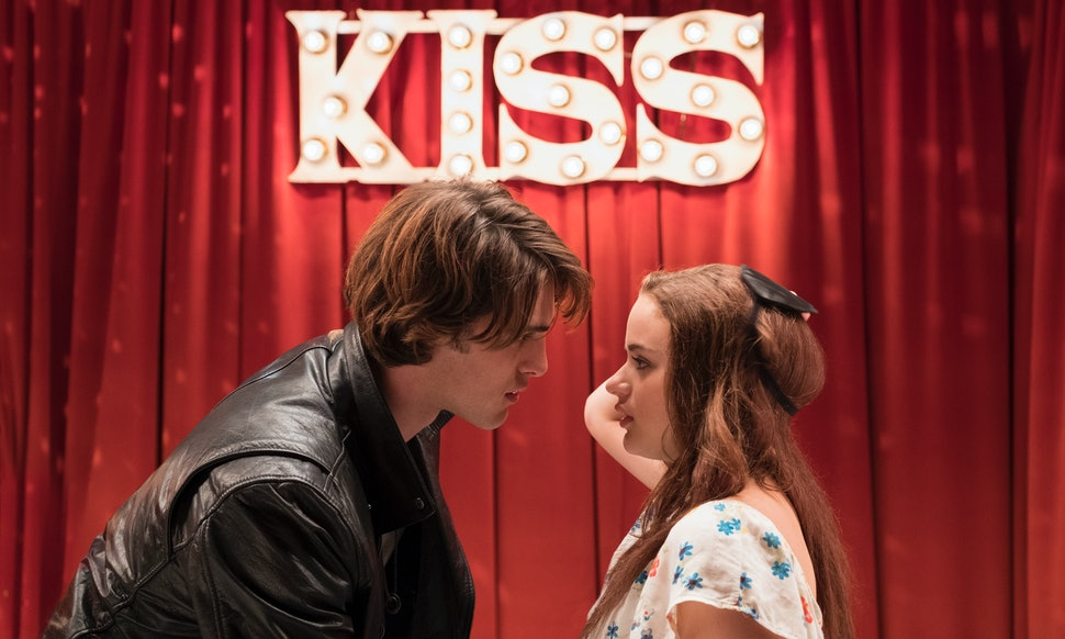 The Kissing Booth\' Stars Are Dating In Real Life & Netflix Fans Can ...