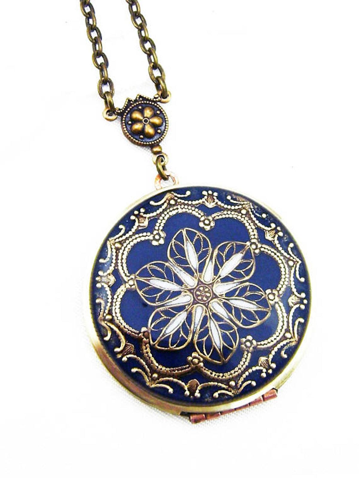 Silverbird1Jewelry Vintage Dark Blue Resin Flower Brass Locket