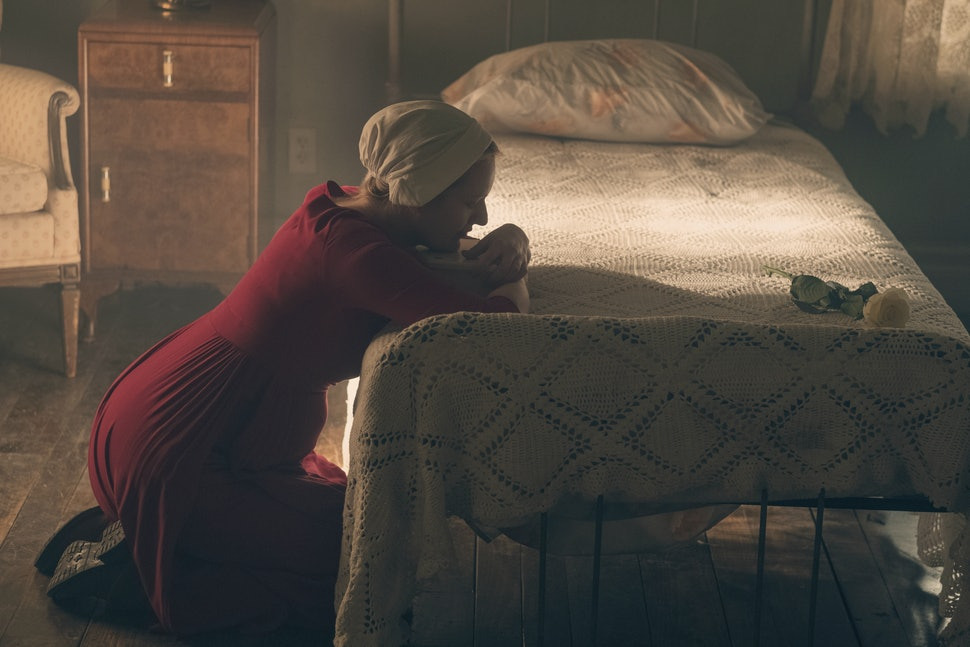 The Handmaids Tale Season 2 Has A Margaret Atwood Reference That