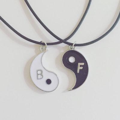 La La Luna Shop Yin & Yang Best Friends Necklaces