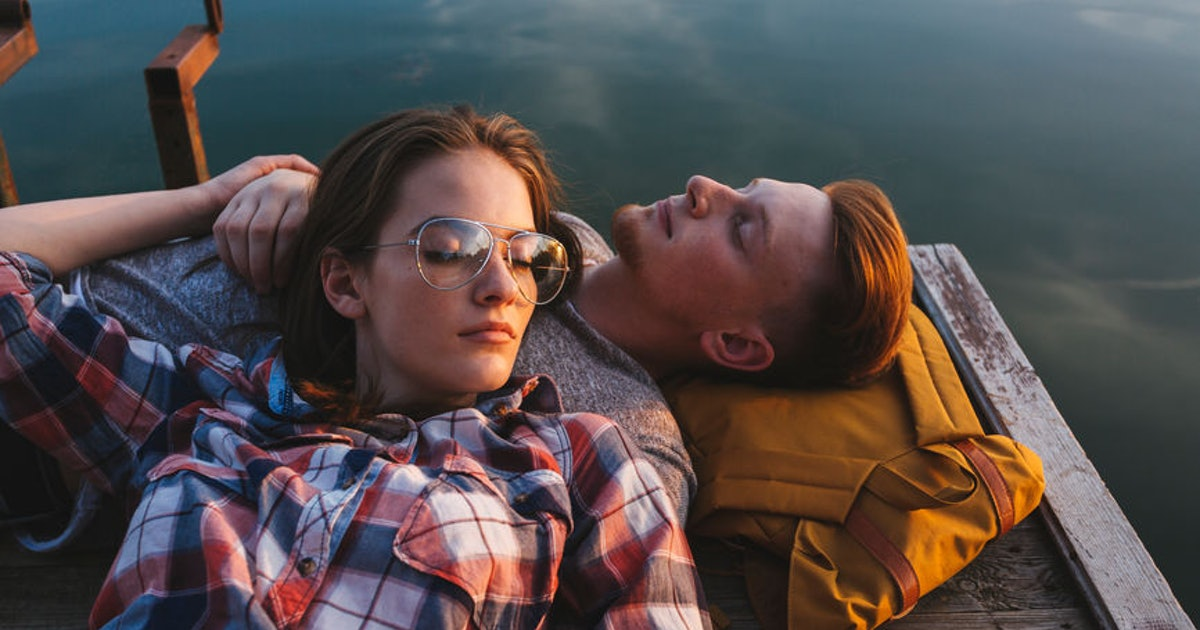 4 Signs You Completely Trust Your Partner & Have A Rock-Solid Foundation Together
