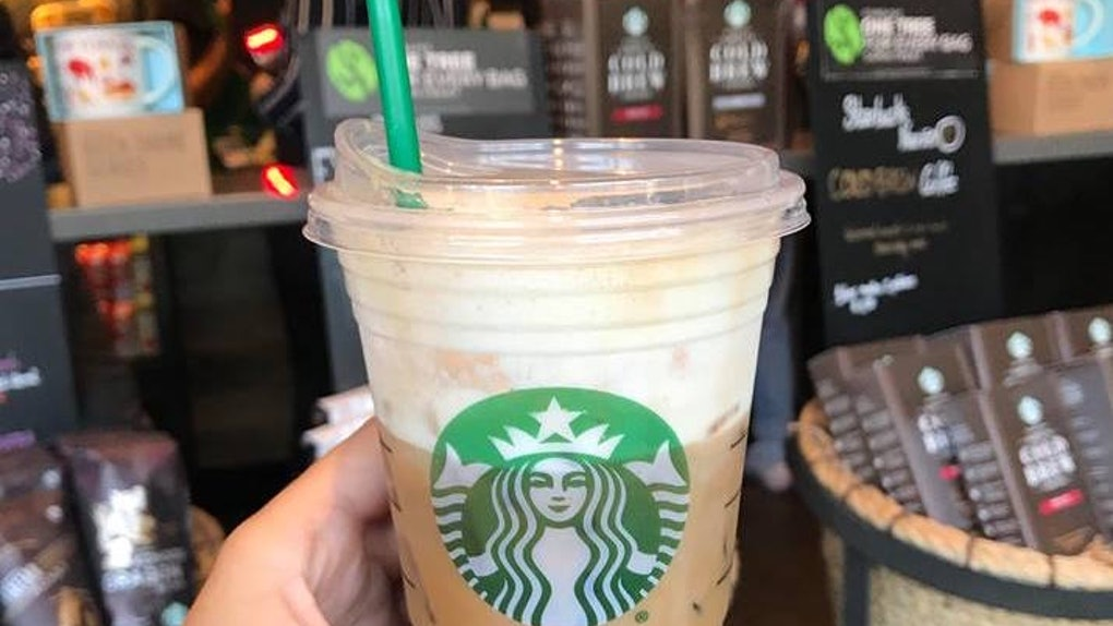 What Does Starbucks Iced Vanilla Bean Coconutmilk Latte