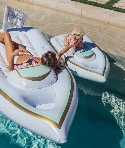 Yacht Float