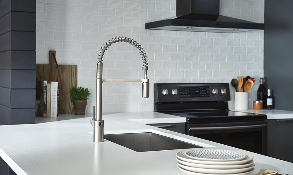 The Best Touchless Kitchen Faucets - Touch activated kitchen faucet