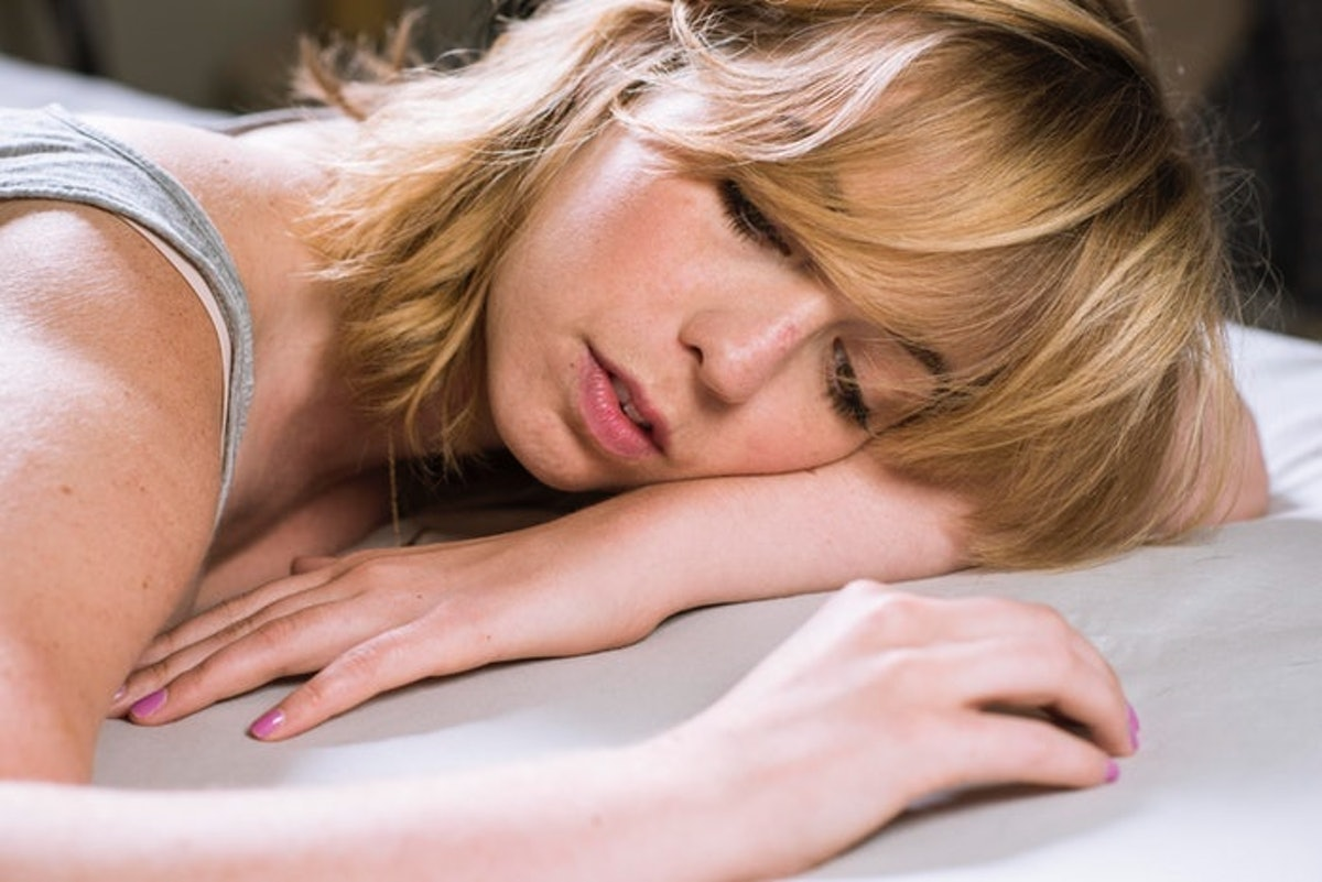 How To Fall Back Asleep If You Wake Up In The Middle Of The Night, According To Experts