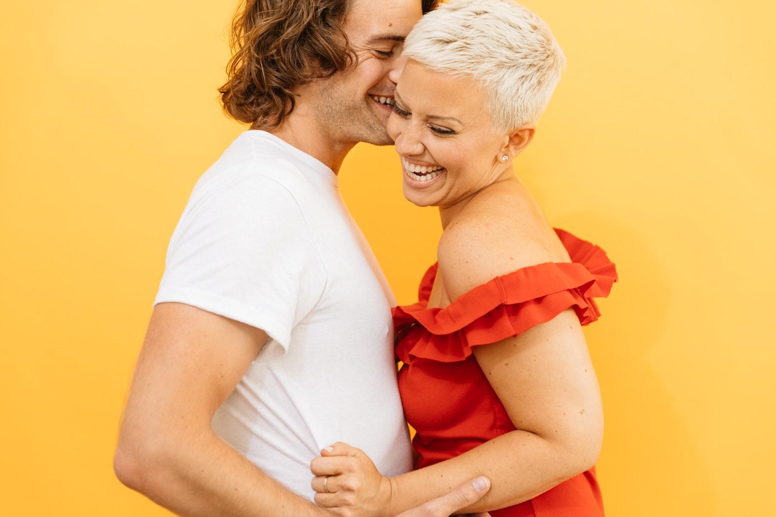 Blond booty milf in interracial video