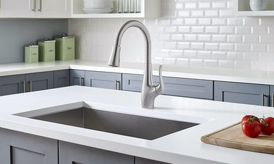 Pfister Clarify Xtract Pull Down Kitchen Faucet With Integrated GE Filtration System