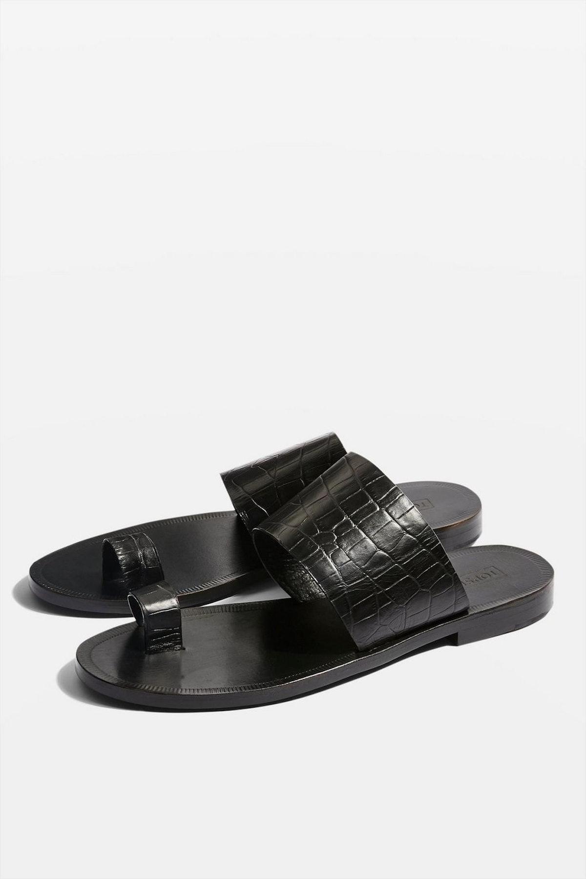 Fetch Toe Loop Sandals