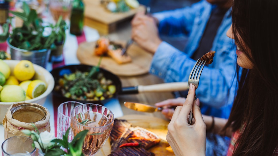 How To Avoid Food Poisoning At Outdoor Barbecues Picnics