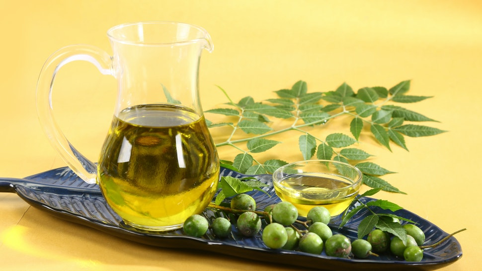 3 Neem Oil Uses For Skin That Will Have You Hooked On This