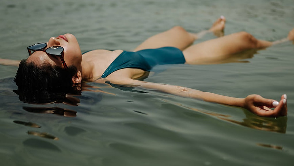 5 Weird Things That Relax You When You're Feeling Seriously On Edge