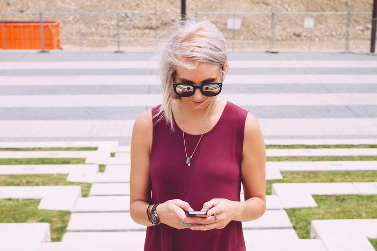 8 Clever Texts To Send After A First Date, So They Know You Had A Great Time