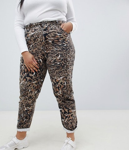 ASOS DESIGN Curve Ritson Rigid Mom Jeans In Abstract Leopard Print