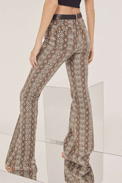 BDG Mid-Rise Stretchy Flare Jean – Snakeskin