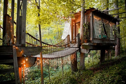 This treehouse cabin Airbnb is the stuff of fairy tales with lights and plenty of charm.