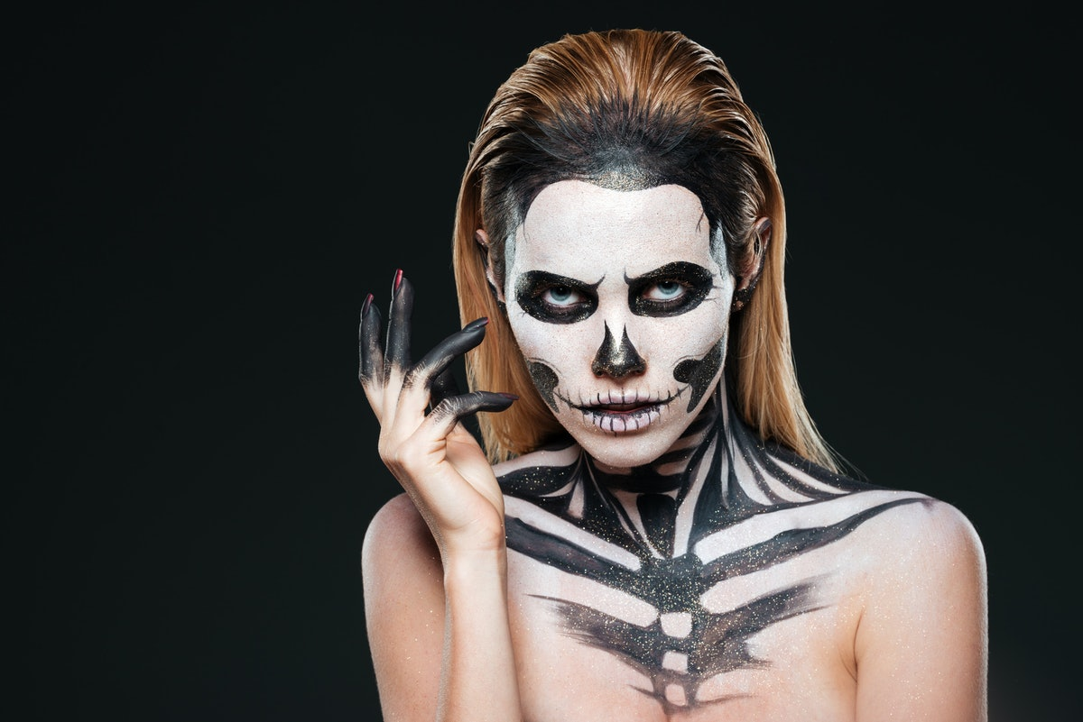 The 6 Best White Face Paints For Halloween