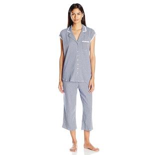 708edba6ed Cotton Capri Pajamas With Cap Sleeves And Romantic Vibes