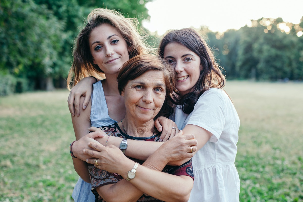 7 Mental Health Changes To Look Out For As Your Mom Ages