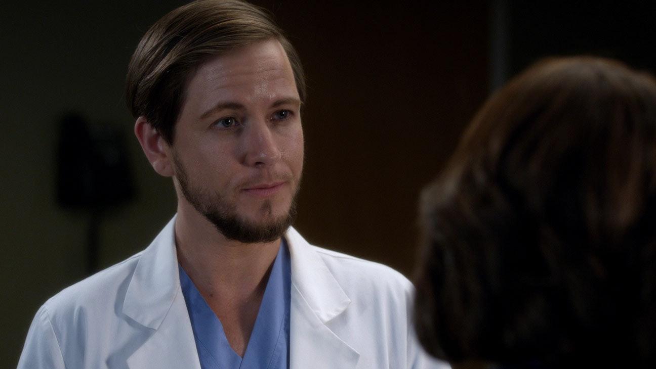 The \'Grey\'s Anatomy\' Season 15 Premiere Is \