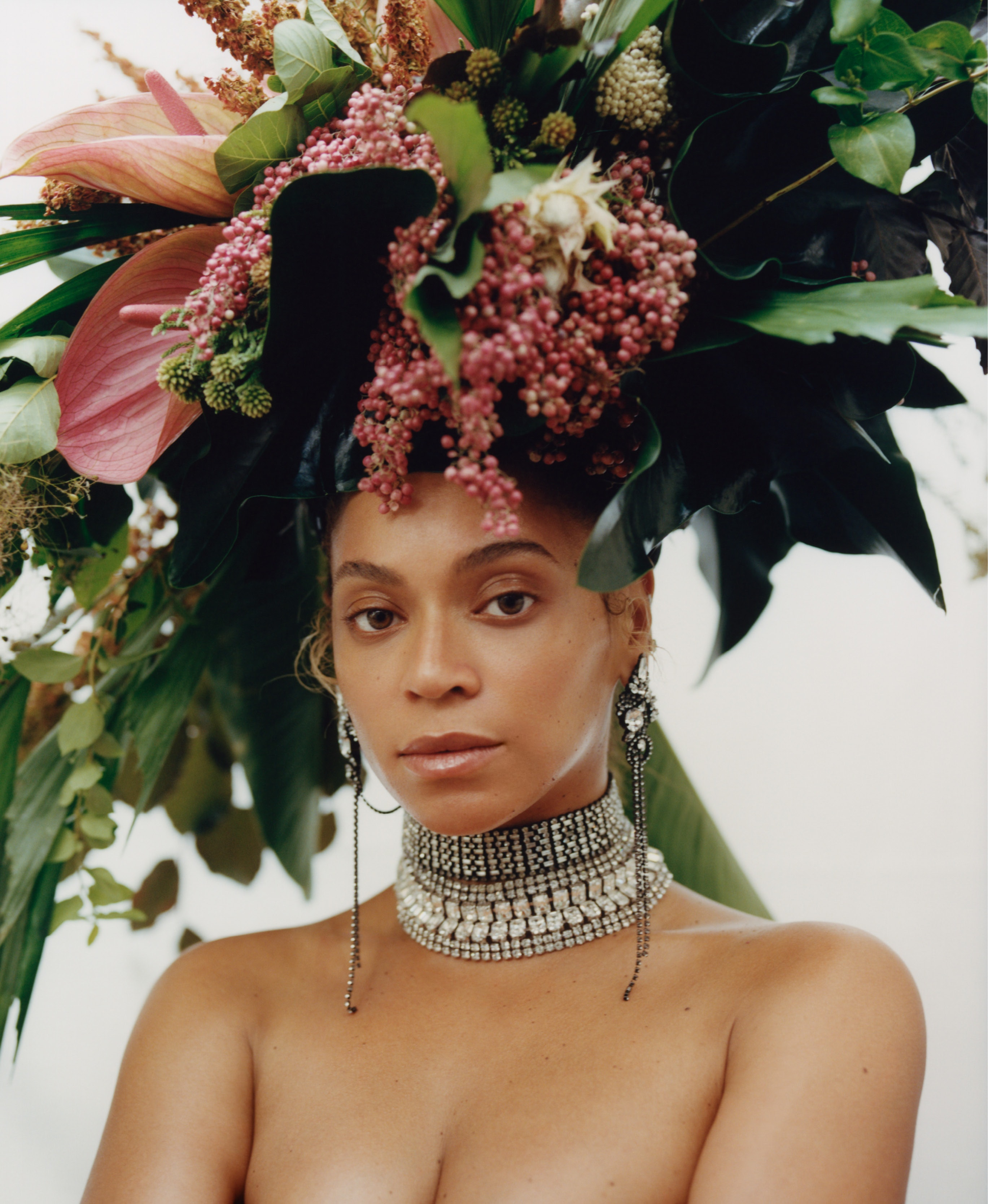 Beyonces september vogue cover is all about natural bodies beyonces september vogue cover is all about natural bodies and lots of flowers izmirmasajfo