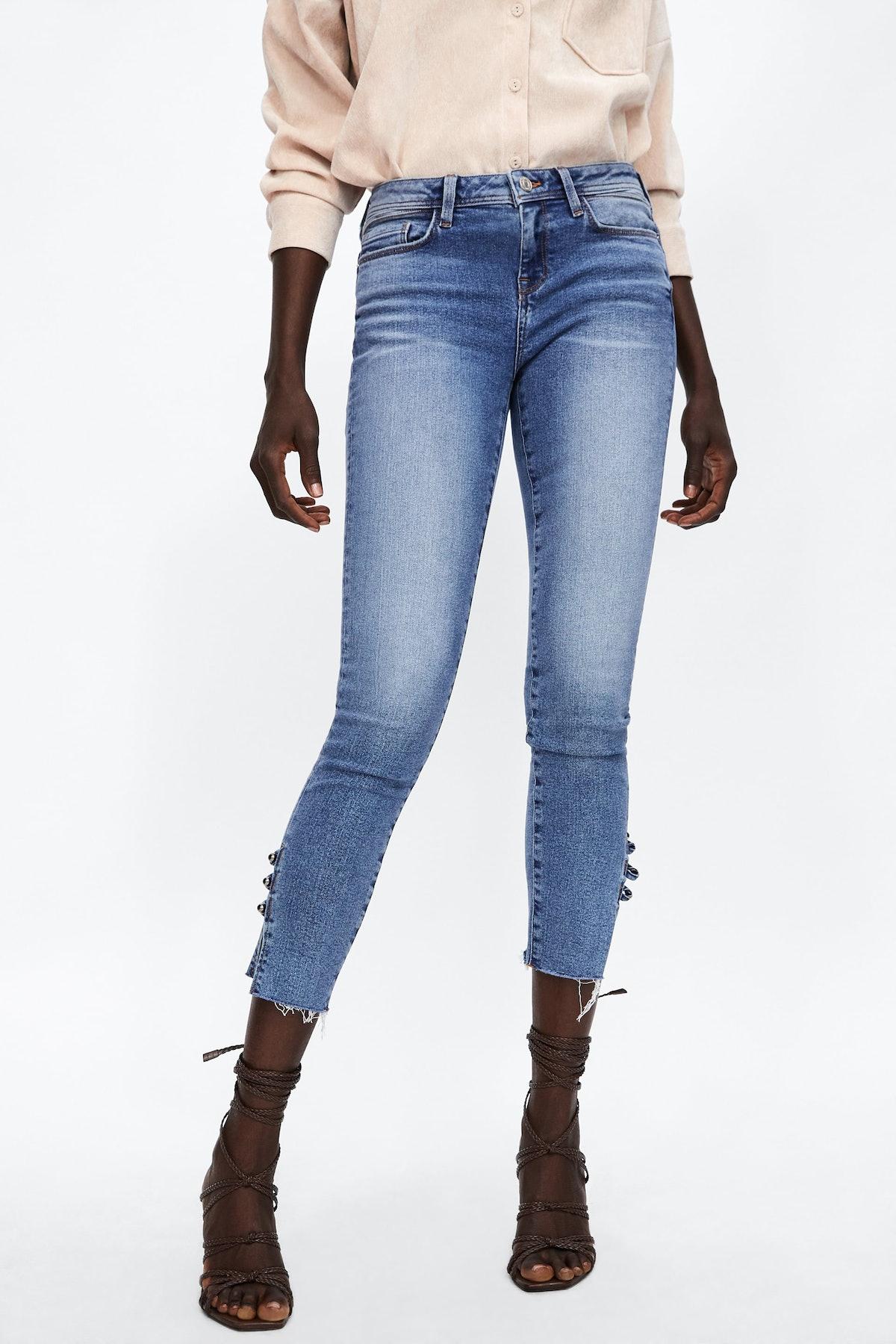 Z1975 Button Hem Jeans