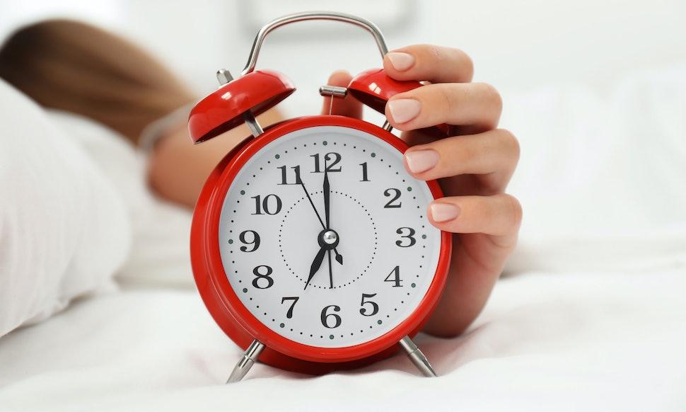 the 5 best analog alarm clocks. Black Bedroom Furniture Sets. Home Design Ideas