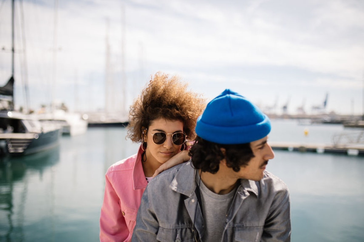 3 Red Flags Your Partner Isn't As Into You As You're Into Them, So Watch Out
