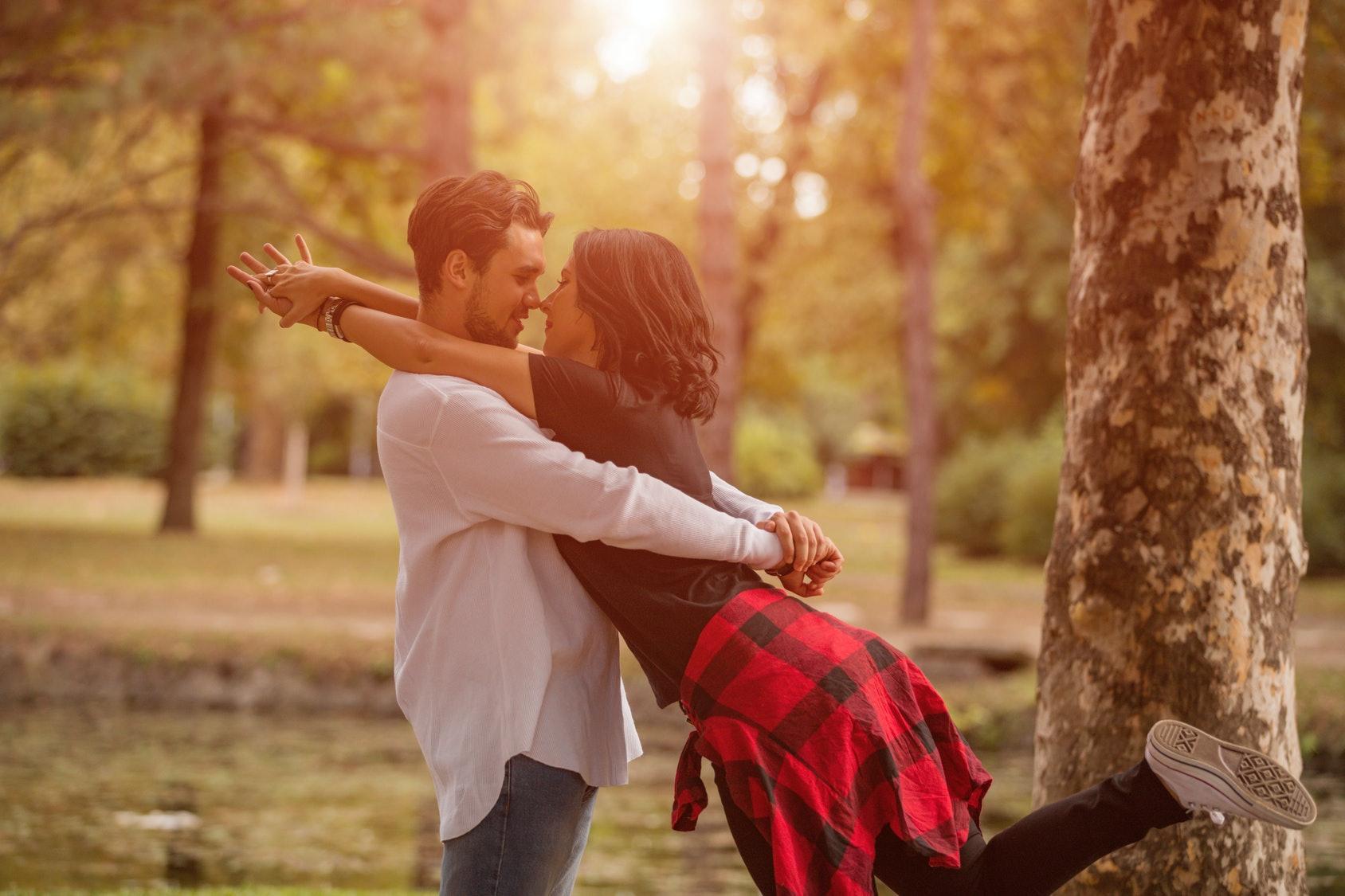 Romantic dating ideas couples on halloween night