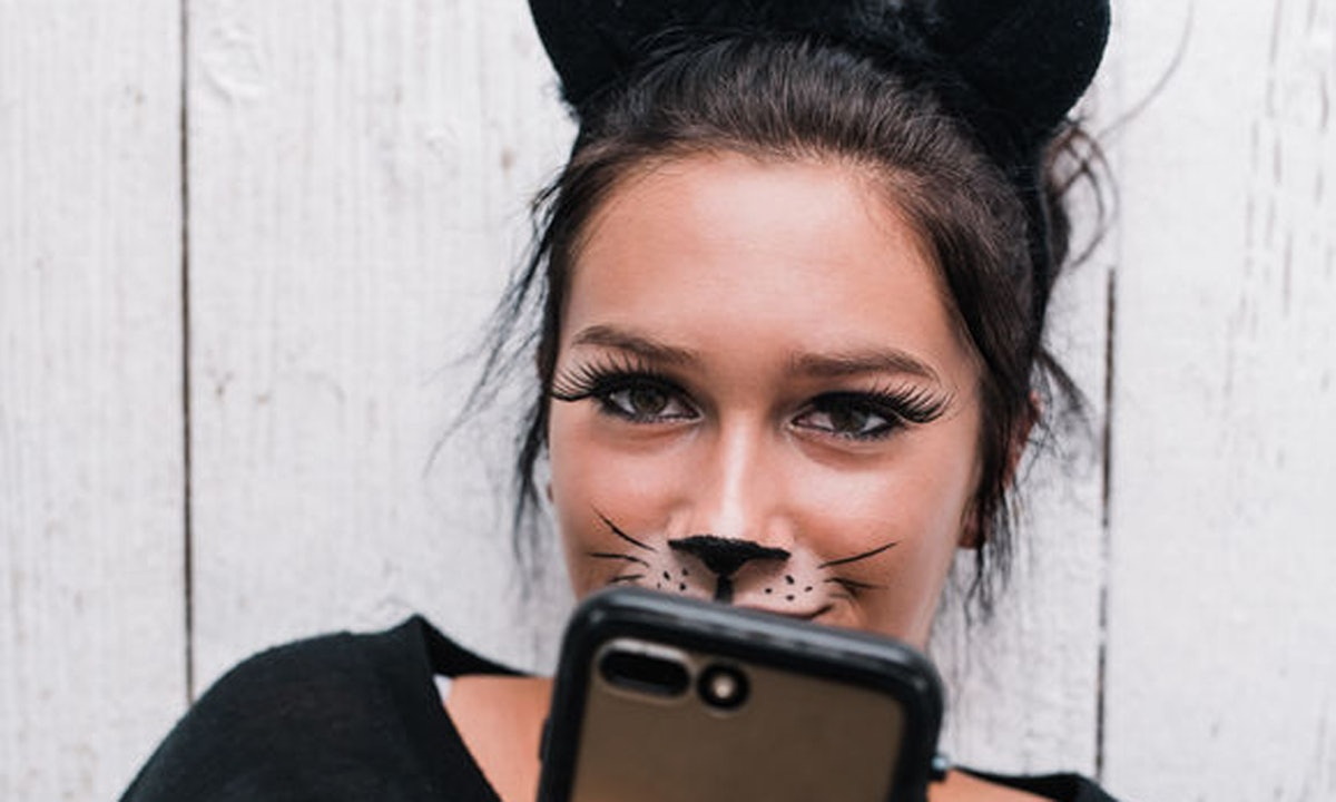 15 Sexy Texts To Send On Halloween That Are Guaranteed To Scare Their Pants Off
