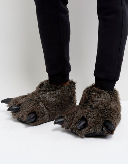 ASOS Halloween Claw Slippers In Charcoal