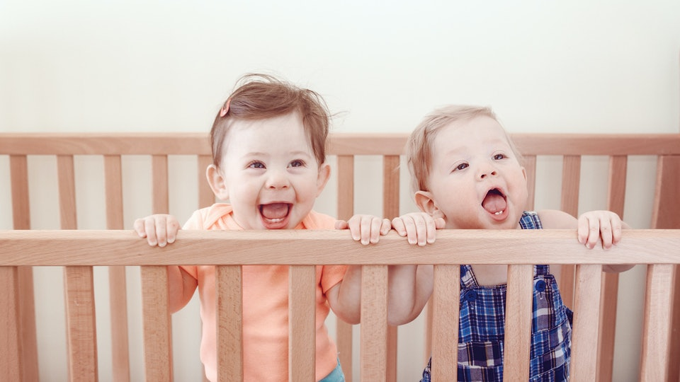 Should Twins Share A Crib An Expert Explains How To Have Multiples