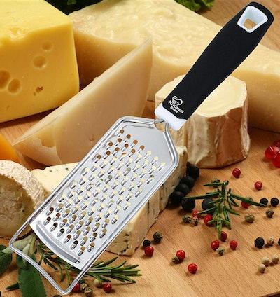 KitchenBasix Cheese Grater & Shredder