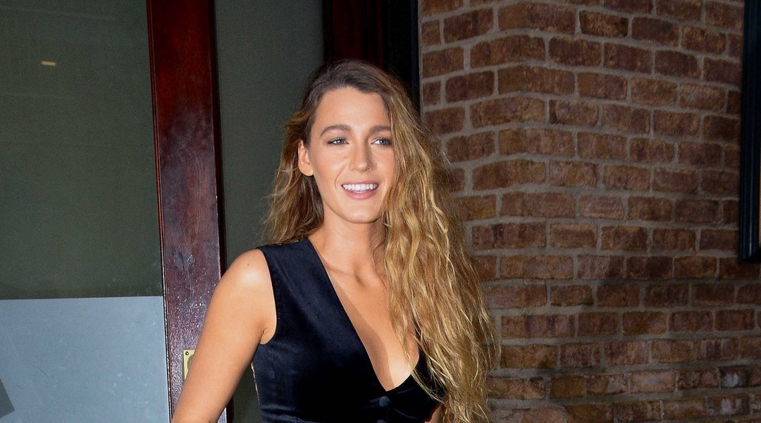 b0c9c08c5c Blake Lively s Black Velvet Jumpsuit Is The One Piece You Need For Fall