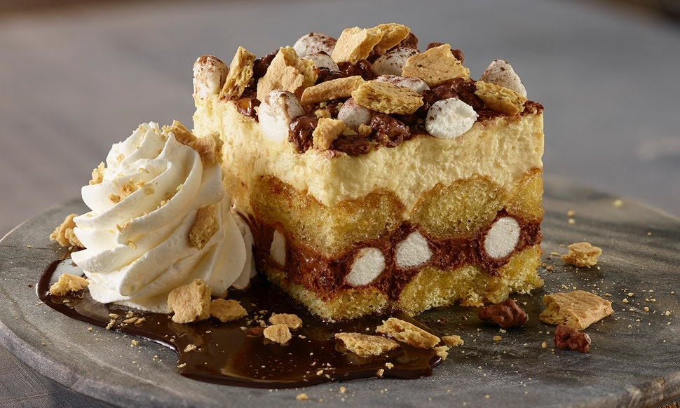olive gardens chocolate chunkin pumpkin cheesecake is made with brownies a legit cookie crust - Olive Garden Pumpkin Cheesecake