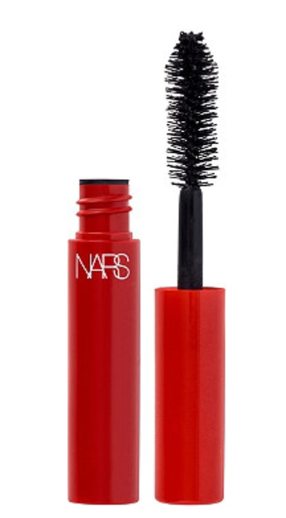Ulta is offering a free deluxe size sample of NARS' new, light-as-air, and whipped Climax mascara with any eyeshadow palette purchase. Every eye look is completed by mascara. So why not try this dark, rich formula? It's one per customer and while supplies last for online purchases only.