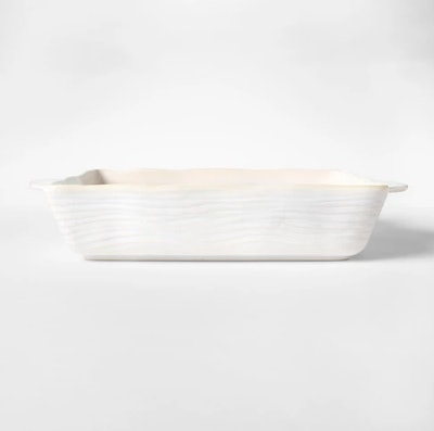 Embossed Stoneware Bakeware with Handle