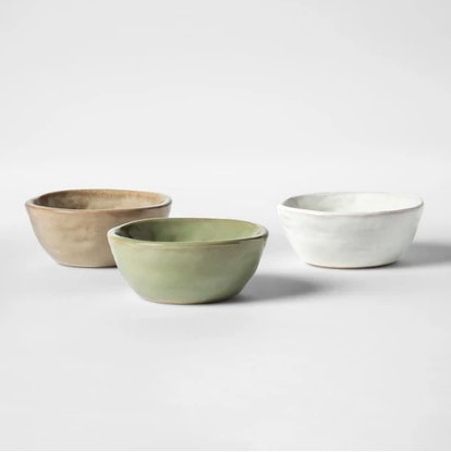 These teensy three inch bowls are perfect for ice cream and after dinner snacks and, most importantly, Instagramming on top of a perilously white bedspread when you feel like living on the edge.