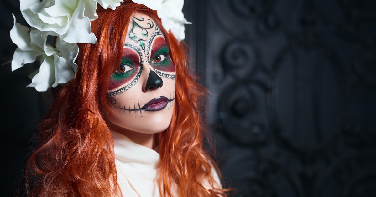 4 People Halloween Costumes Girls.10 Culturally Appropriative Halloween Costumes You Should Never Wear