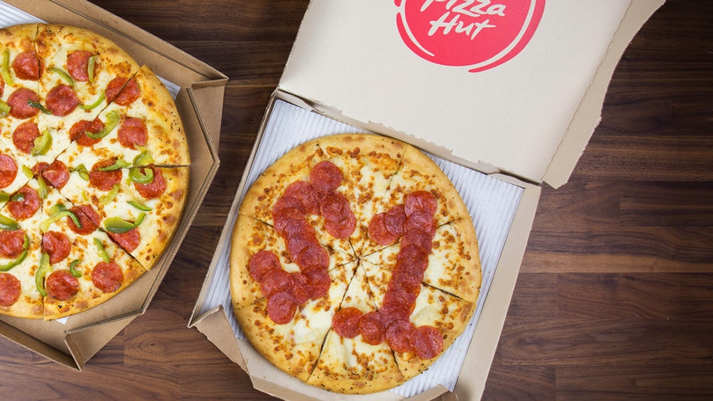 Pizza Hut Open Christmas Day.Here S How To Get Pizza Hut For A 1 For National Pepperoni Pizza Day