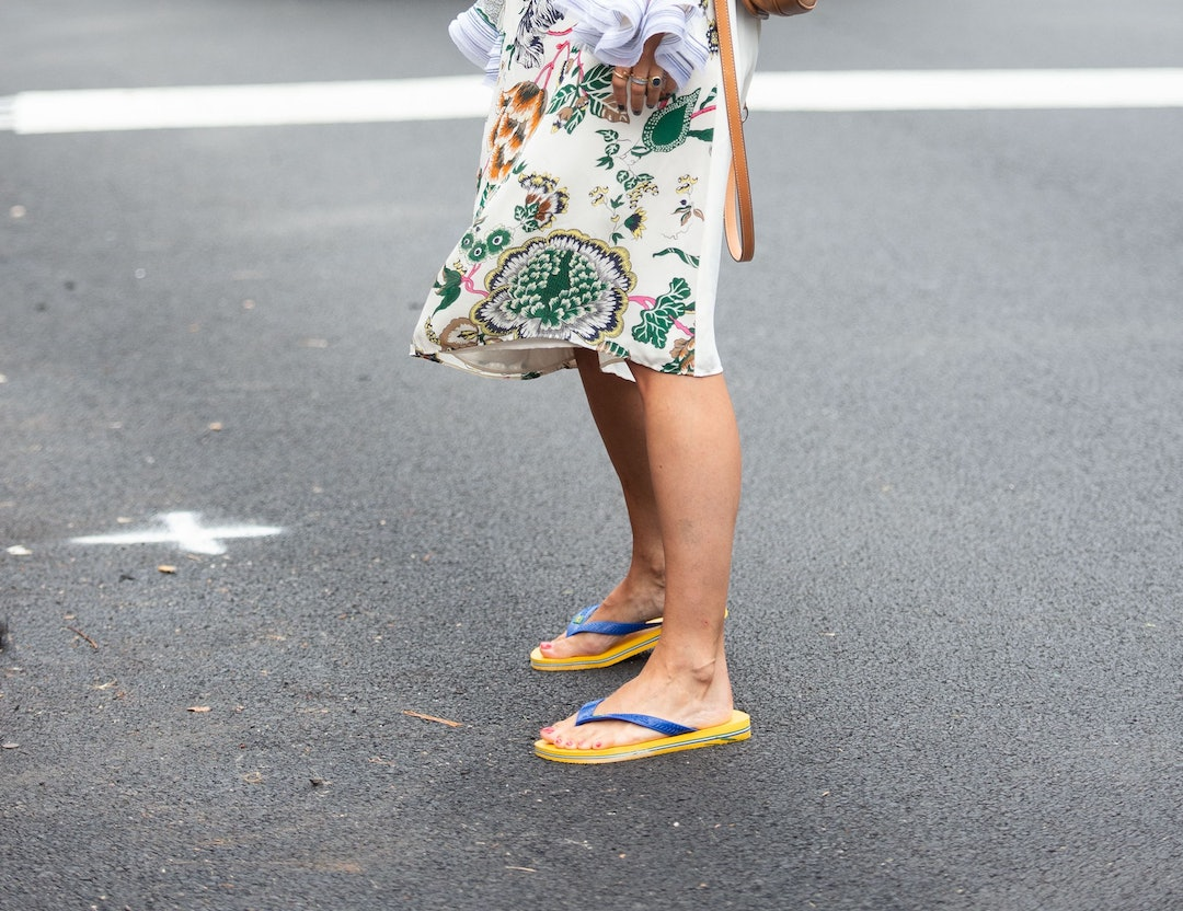 How To Wear Flip Flops The Major Shoe Trend Of Spring Summer 2019