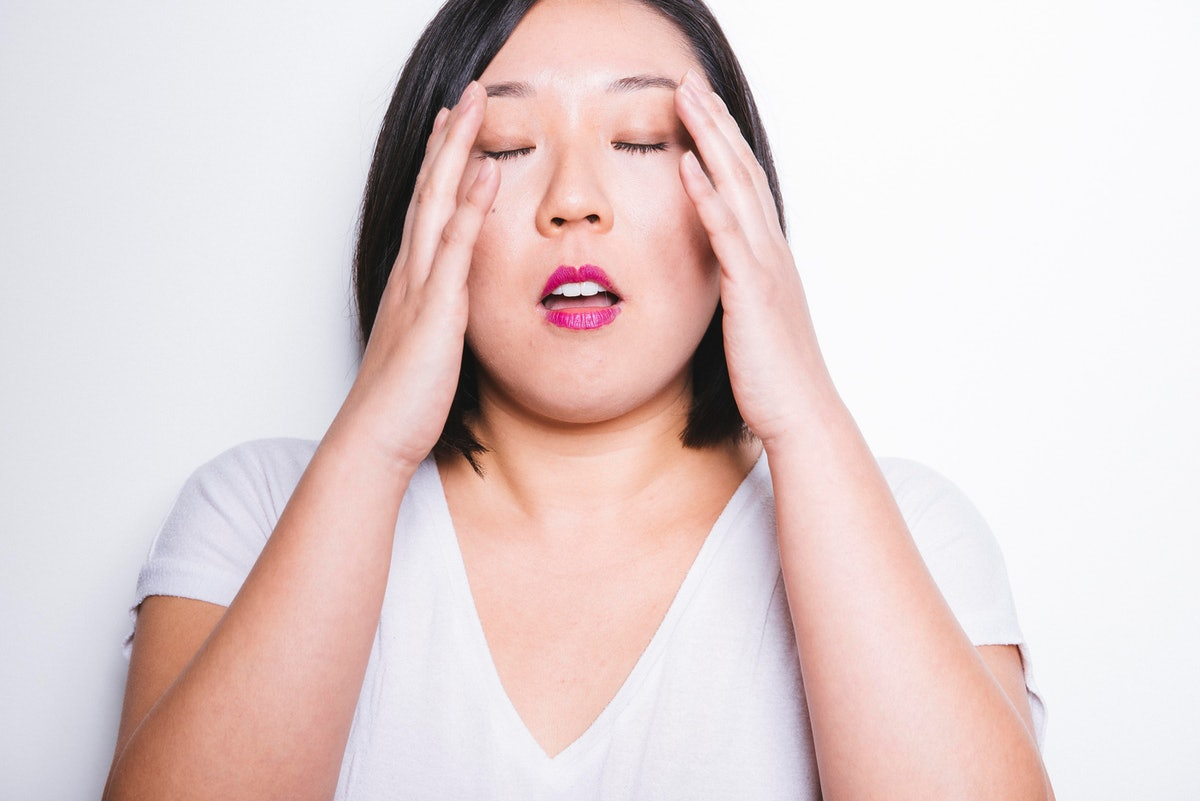 What's The Difference Between Brain Fog & Being Tired? Here's How To Tell If Your Confusion Is A Sign Of Something More Serious