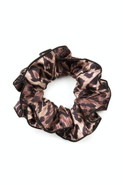 Jasper – Leopard Scrunchie