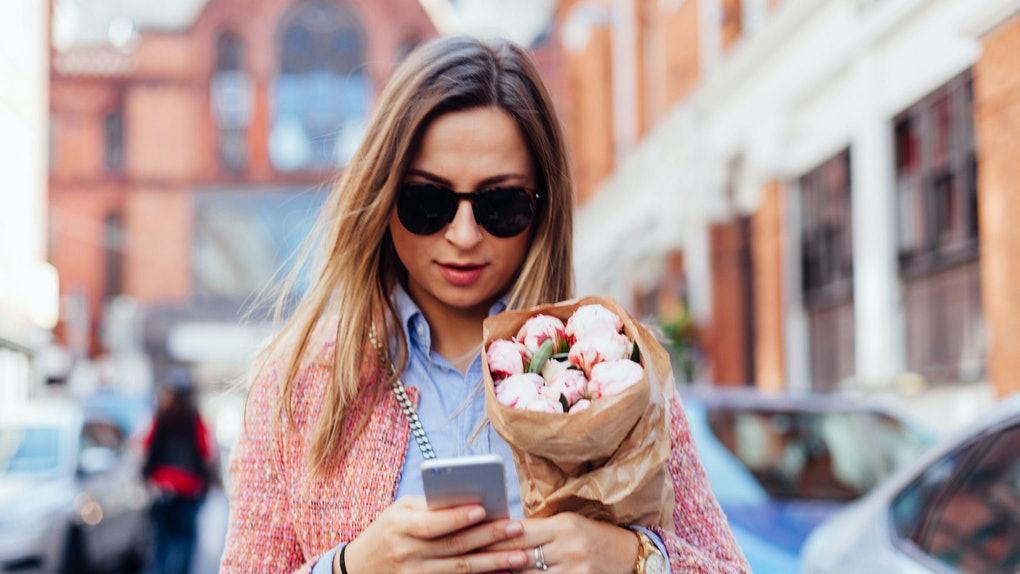 3 Texting Clues Your Boyfriend Or Girlfriend Is Cheating, According