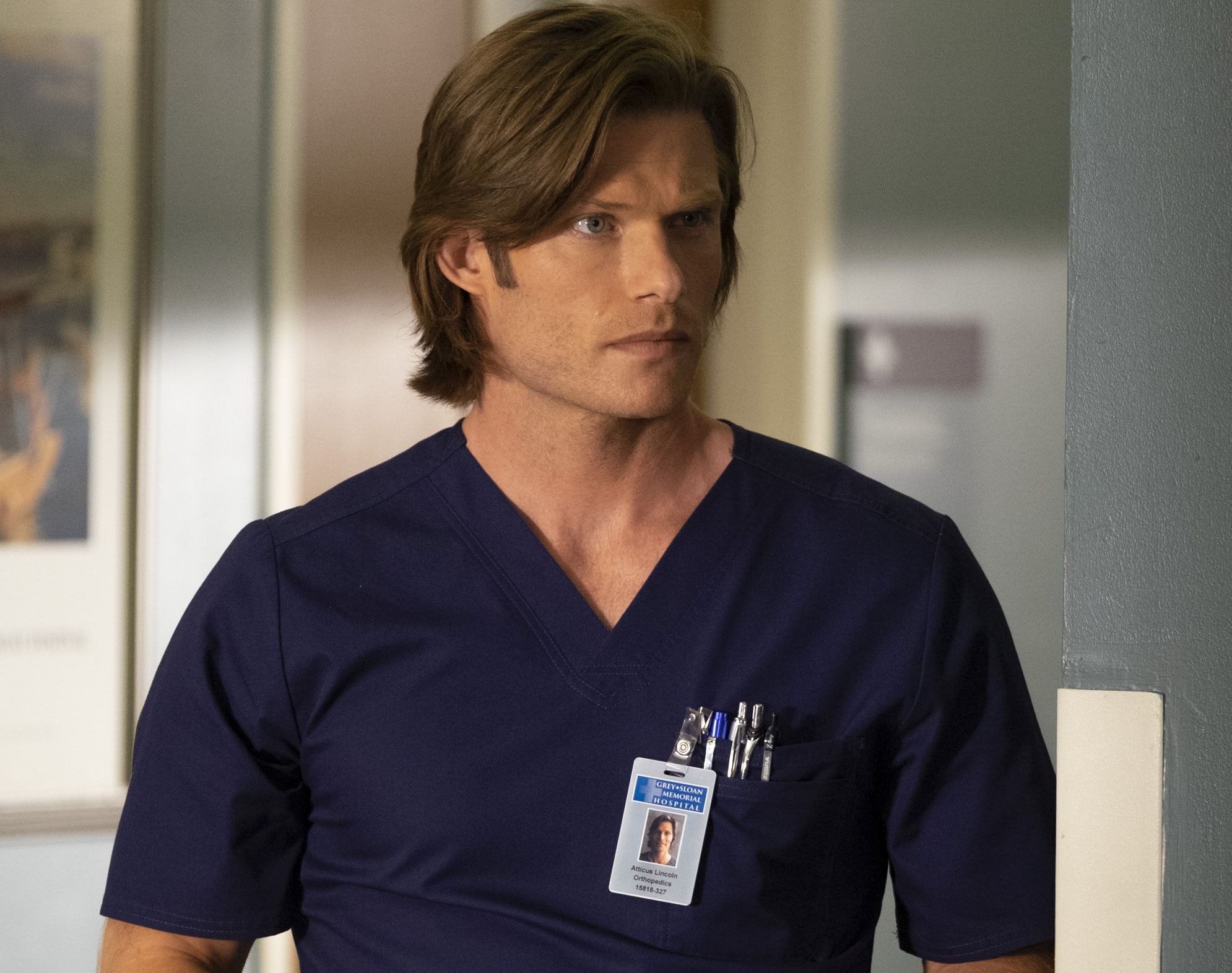 Who Is Link On Greys Anatomy The New Ortho God Is Heating Things Up