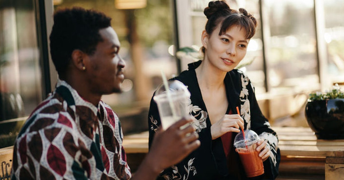 5 Questions Not To Ask On A First Date If You Want A Second
